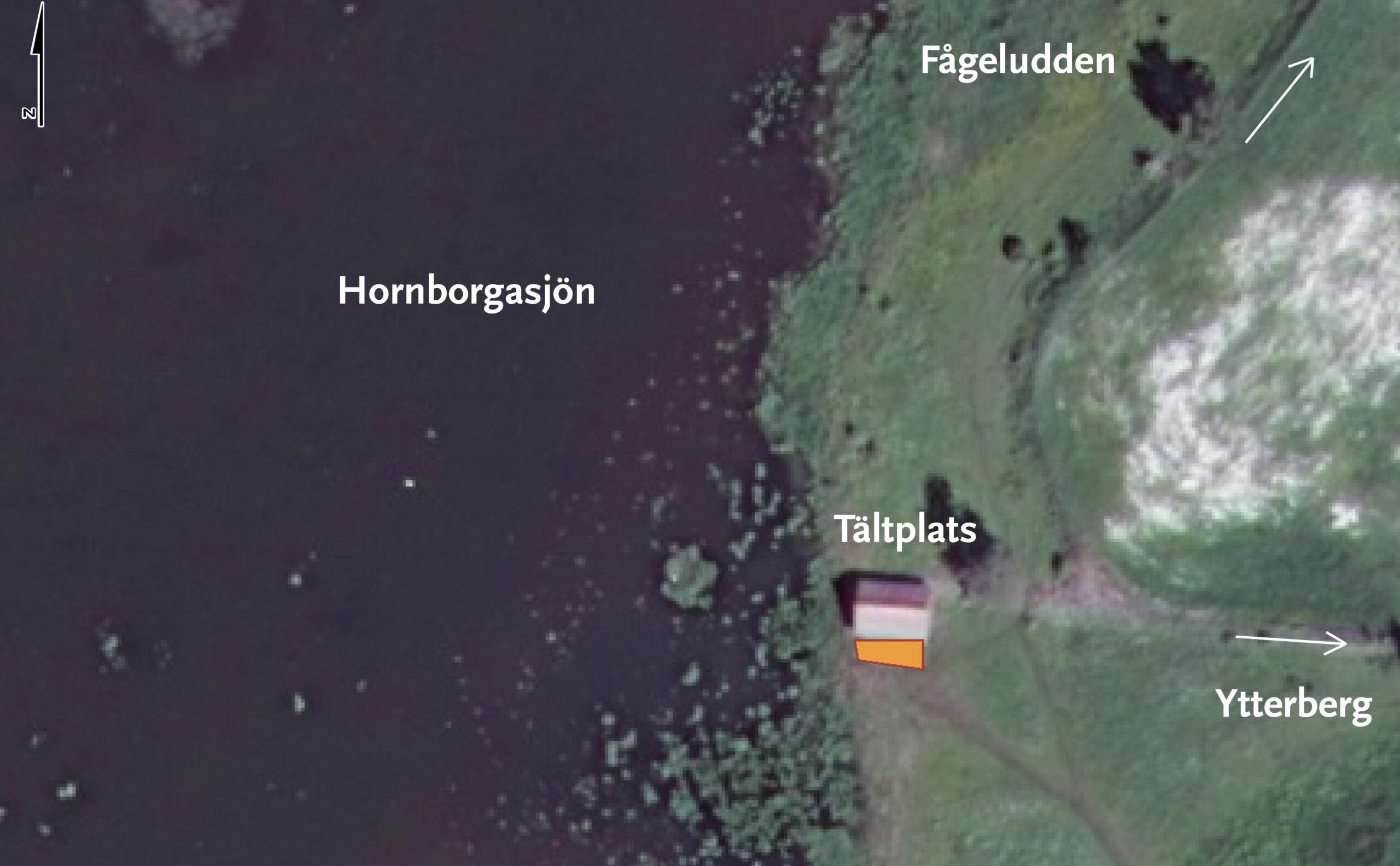 Karta över tältplatsen vid Ängsladan. Ett område framför Ängsladan är tältplats. Kartvy.
